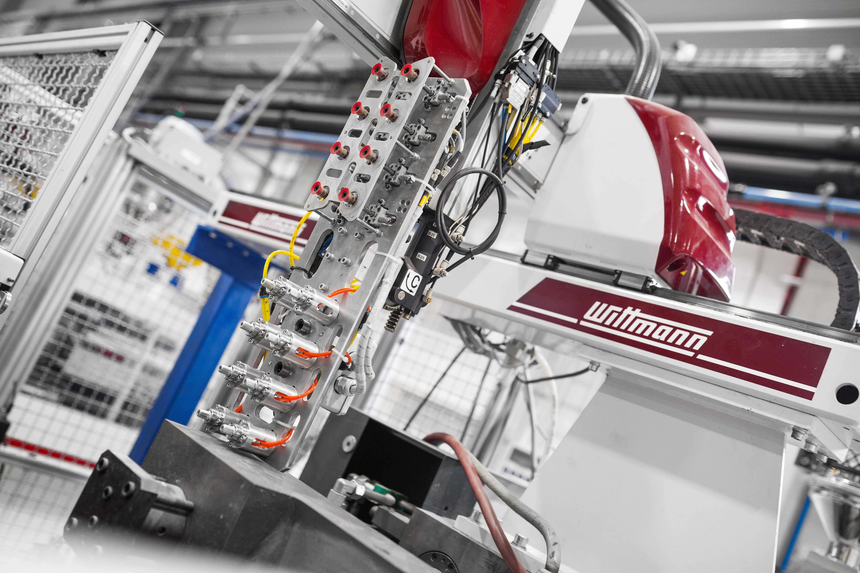 Výrobní stroj